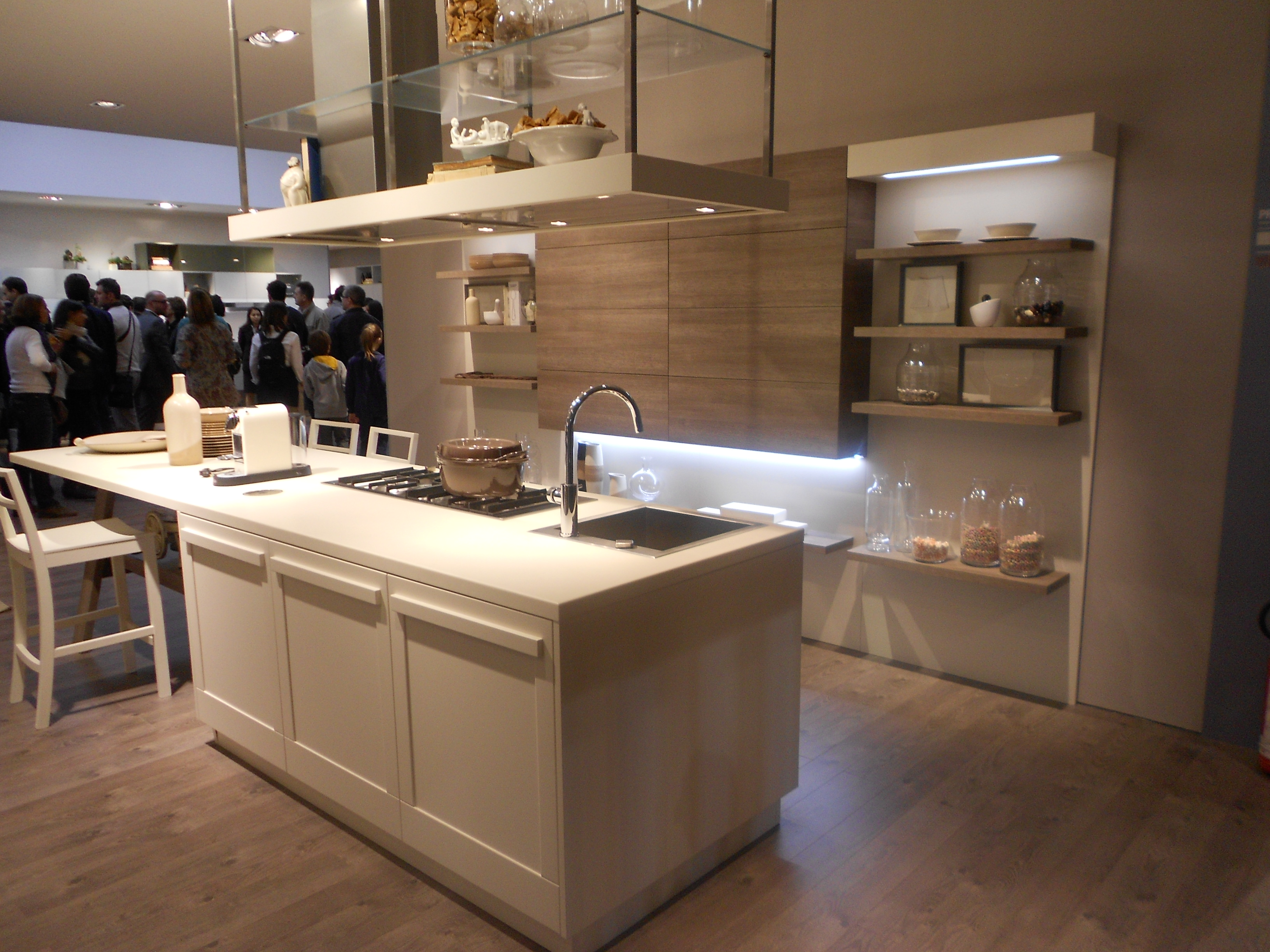Milano tasar m fuar 2012 mutfaklar kika 39 s world for Hacker kitchen designs