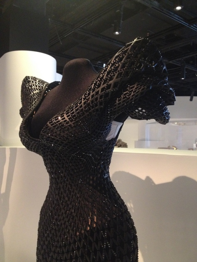 3d-printed-gown-2