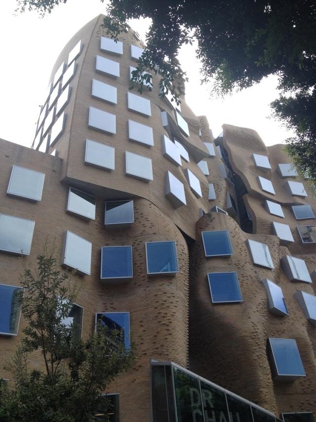 chau-chak-wing-building-8
