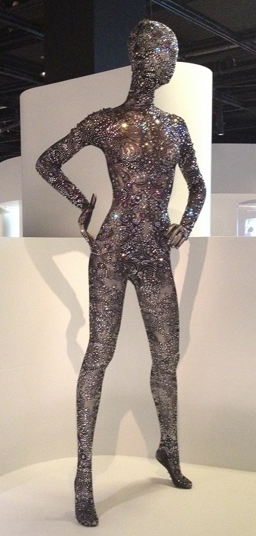 protean-bodywear-1