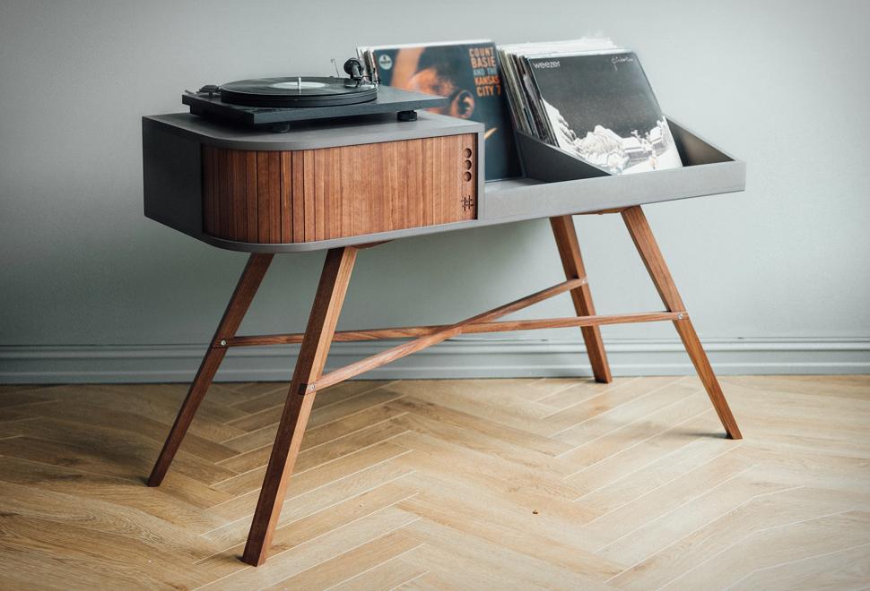 the-vinyl-table